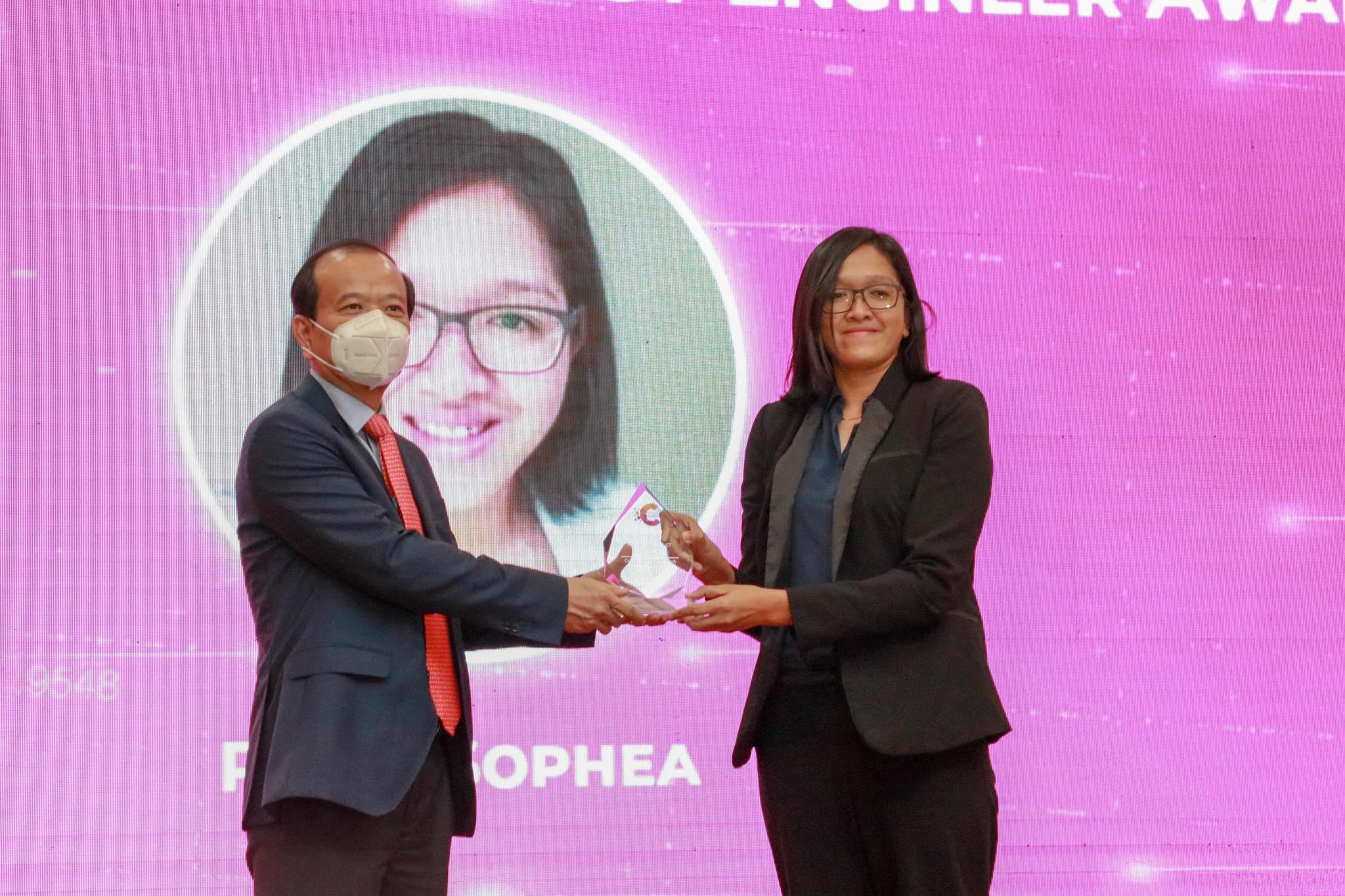 "Cambodia Woman ICT Engineer Award, "" Dr. Prohm Sophea"